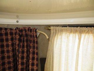 Scamp Curtains 004.jpg