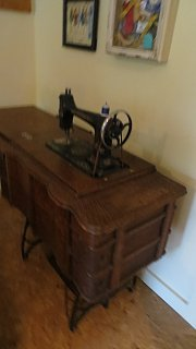 4.2017 Italian Fest and Treadle Sewing Machine 008.jpg