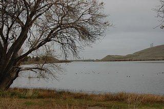 San_Luis_Reservoir.jpg