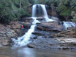 Click image for larger version  Name:Lower_Falls01.jpg Views:56 Size:165.5 KB ID:11649