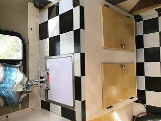 08 Kitchen sink.jpg