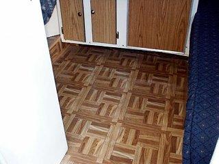 05Scamp_Floor.jpg