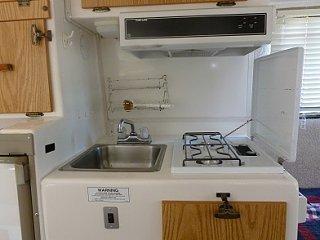 4 Kitchen 25.jpg