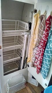 Click image for larger version  Name:Closet.jpg Views:40 Size:83.0 KB ID:126988
