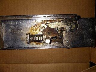 l400 Lock.jpg
