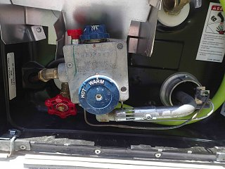 Water-heater-thermostat.jpg