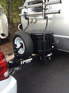 Jack-mounted tire.jpg
