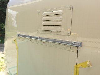 19-0524 window-leak gutters-02c.jpg