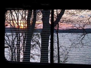 Click image for larger version  Name:Land_Between_Lakes_Apr_2006__109___Medium_.JPG Views:14 Size:104.1 KB ID:13634