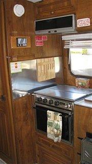 86_Bigfoot_M_inside_stove.jpg