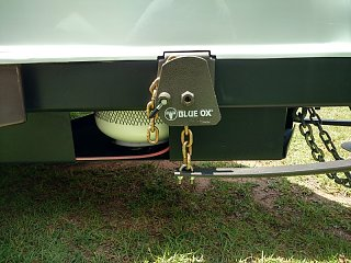 Blue Ox chain bracket RH side.jpg