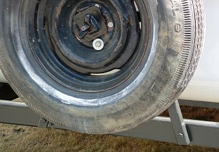 Spare_tire_mount_2.jpg