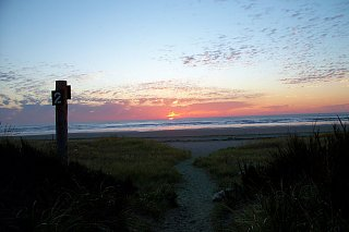 Click image for larger version  Name:oct_sunset_1_grayland.jpg Views:40 Size:83.0 KB ID:16488