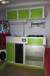 Click image for larger version  Name:boler_lime_kitchen.jpg Views:82 Size:121.3 KB ID:16944