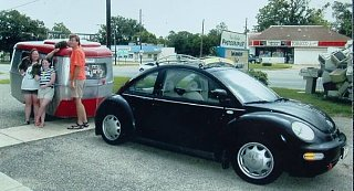 Click image for larger version  Name:vwPuck_and_Gang_in_Texas_1.jpg Views:128 Size:38.3 KB ID:20966