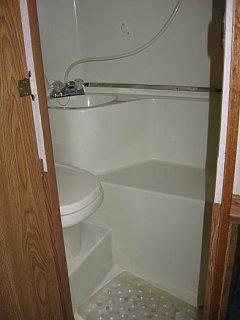 bathroom_2222_turned.JPG