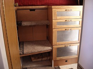 Click image for larger version  Name:07Jul12Chest_of_Drawers___Stairs_640x480.JPG Views:78 Size:92.7 KB ID:26281