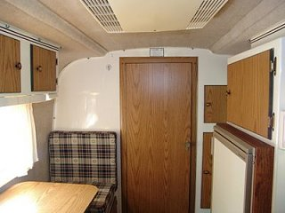 2001_scamp_trailer_16ft_side_dinette_21_Florida.jpg