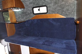 Click image for larger version  Name:couchwithcushions.jpg Views:56 Size:29.5 KB ID:27941