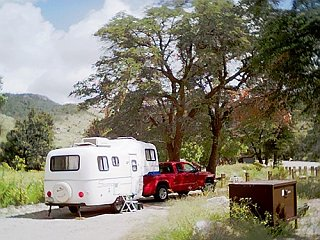 Click image for larger version  Name:Fiberglas_RV_show_us_your_rig.jpg Views:355 Size:81.4 KB ID:2958