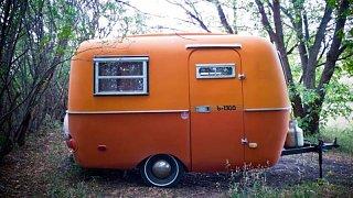 Click image for larger version  Name:orange1976doorside.jpg Views:51 Size:60.7 KB ID:30857