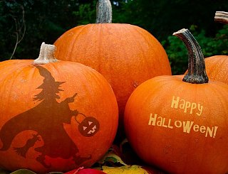 Click image for larger version  Name:Halloween.jpg Views:6 Size:56.2 KB ID:31913