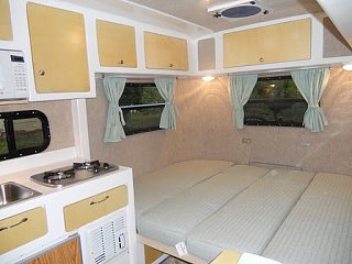 Click image for larger version  Name:2011-04-Interior-Queen-Bed.JPG Views:62 Size:39.6 KB ID:37180