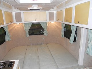 Click image for larger version  Name:2011-04-Interior-Queen-Bed2.JPG Views:61 Size:34.9 KB ID:37181