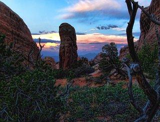 Click image for larger version  Name:Sunset at Devil's Garden.jpg Views:23 Size:202.3 KB ID:38693