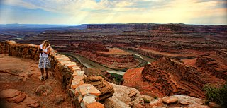 Click image for larger version  Name:Canyonlands vista.jpg Views:26 Size:246.8 KB ID:38696