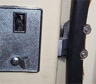 L400 Trillium Handle installed.jpg