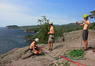 Click image for larger version  Name:MN Tettegouche climbers.jpg Views:49 Size:335.8 KB ID:49429