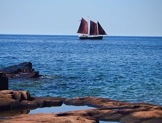 Click image for larger version  Name:MN sailing ship.jpg Views:31 Size:361.4 KB ID:49460