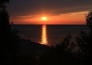 Click image for larger version  Name:MI sunset1.jpg Views:31 Size:281.2 KB ID:49510