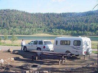 Navajo_Lake_in_Utah.jpg