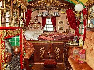 gypsy-caravan-interior.jpg