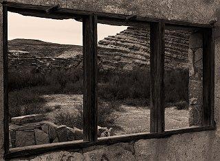 rock_house_window_small.jpg