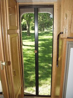 Click image for larger version  Name:door.jpg Views:316 Size:75.4 KB ID:6517