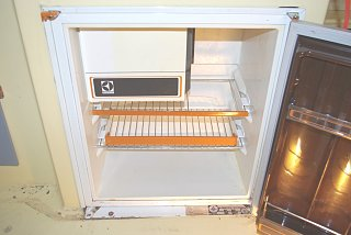 fridge interior (2).JPG