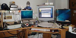 Click image for larger version  Name:desk.jpg Views:204 Size:64.2 KB ID:6727