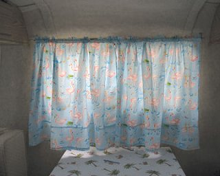 Click image for larger version  Name:curtains_table.jpg Views:124 Size:32.1 KB ID:6818