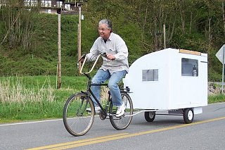 Environmentally-friendly-bike-trailer-small-houses-design-945x630.jpg