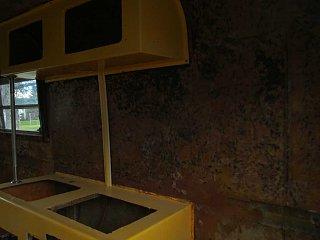 13-66 kitchen 04.jpg