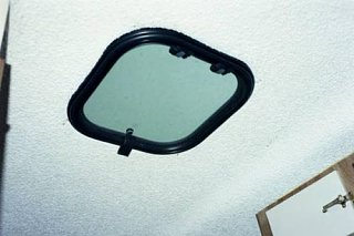 Click image for larger version  Name:Pop_up_Sunroof.jpg Views:67 Size:22.8 KB ID:767