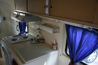 kitchen_area.jpg