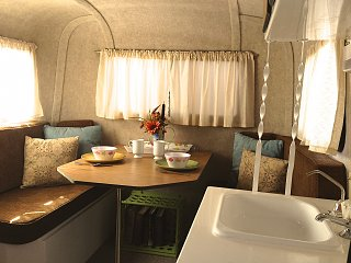 Click image for larger version  Name:Scampy Int Dinette.jpg Views:30 Size:311.5 KB ID:77775