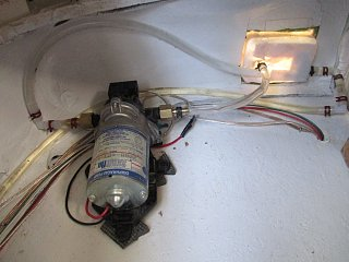 Shower pump in right front corner. Backside of Access compartment.jpg