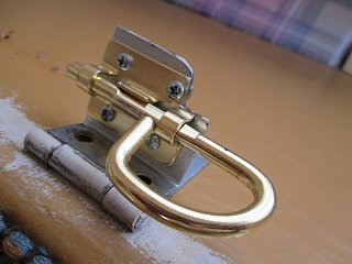 Top Bunk Latch Hook with corner cut out so fingers can be inserted when toting ..jpg