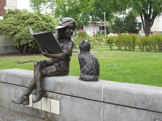 Click image for larger version  Name:A_Bronze_Statue_at_LongView__Washington.jpg Views:35 Size:85.8 KB ID:8706