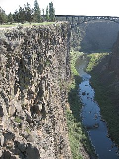 Click image for larger version  Name:Crooked_River_Canyon_North_of_Bend__Oregon.jpg Views:50 Size:121.6 KB ID:8708